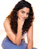 actress-nikhila-vimal-latest-photos-009