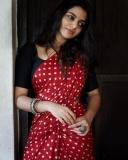nikhila-vimal-latest-photos-in-saree-01-001