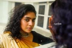 nimisha-sajayan-new-photos-in-saree-010