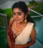 nimisha-sajayan-new-photoshoot-pics-02-001