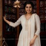 niranjana-anoop-latest-photos-in-onam-2021-Cotton-Anarkali-001