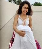 2_poonam-bajwa-pictures-010