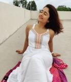 3_poonam-bajwa-pictures-008