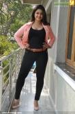 poonam-bajwa-pics-320-00224