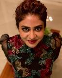 poornima-indrajith-new-model-dress-photos-002