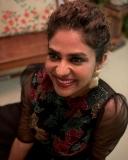 poornima-indrajith-new-model-dress-photos-004