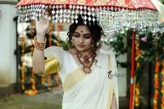 actress-prayaga-martin-latest-photos-in-kerala-saree-021-003