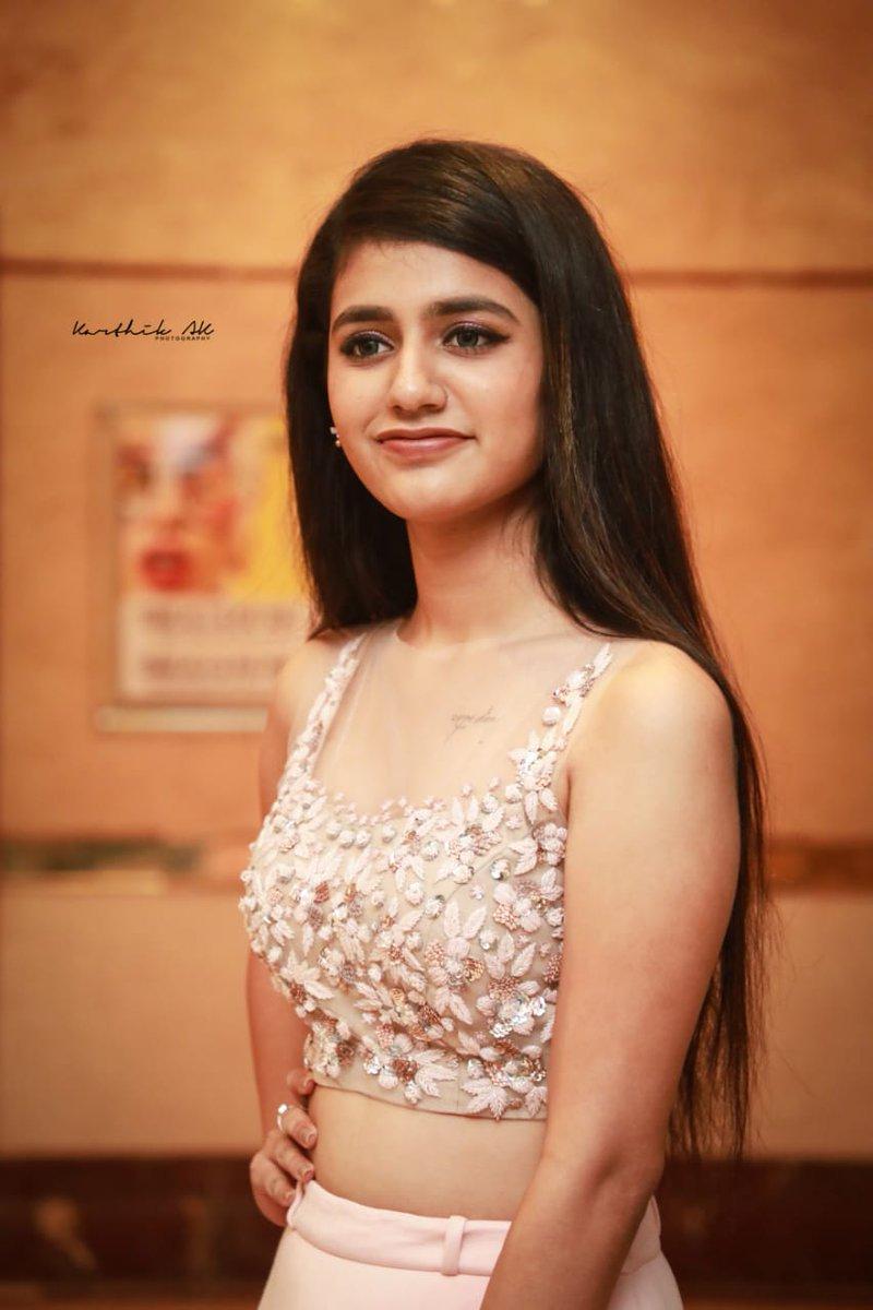 Priya PrakashVarrier latest pics097-002