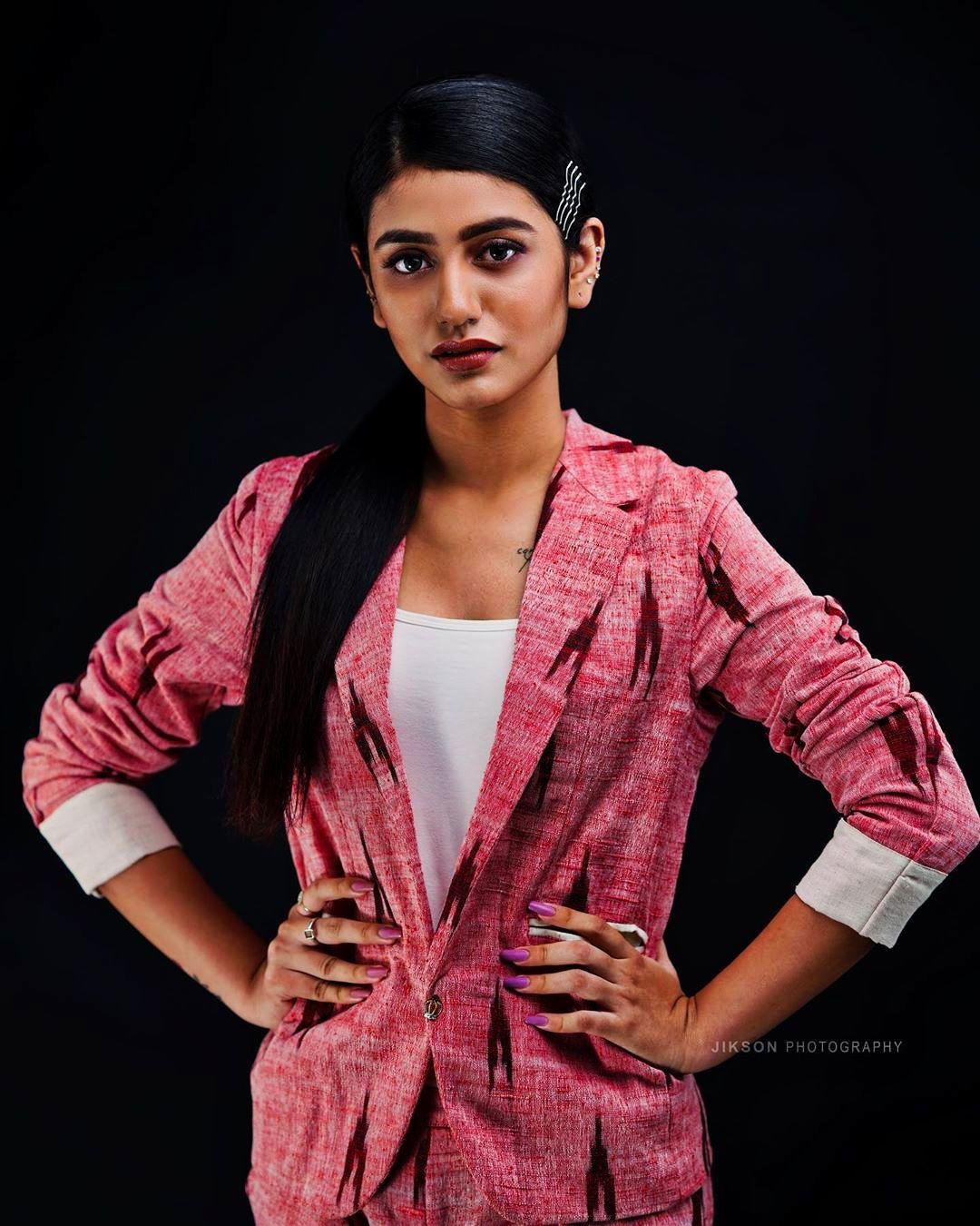 priya prakash varrier latest photoshoot-001