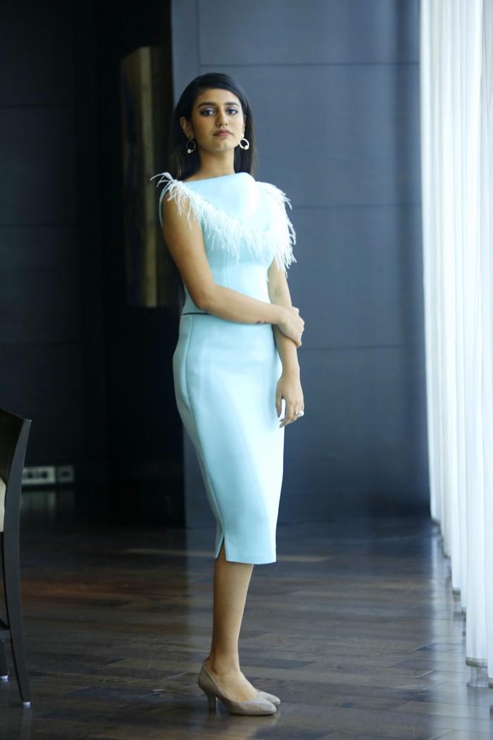 priya-prakash-varrier-latest-photoshoot-061811
