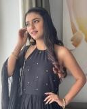 1_priya-varrier-latest-photos-004