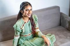 1_priya-varrier-latest-pics-004
