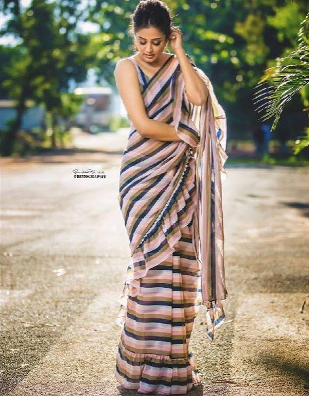 priyamani saree photos new 4512-10