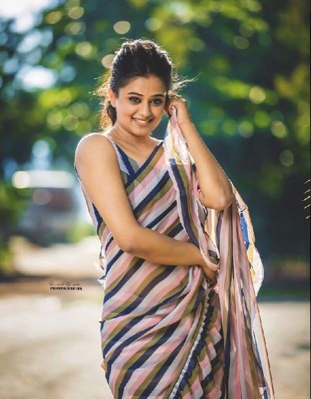 priyamani saree photos new 4512-8