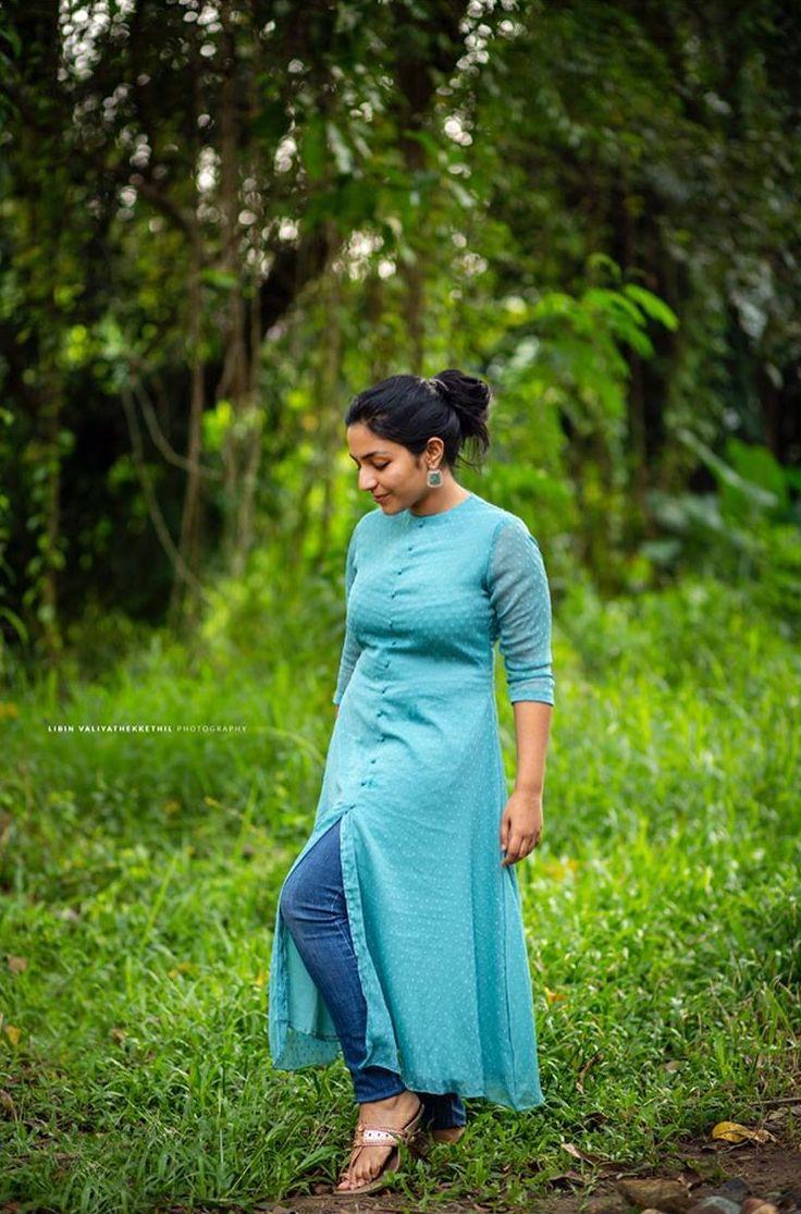 rajisha vijayan latest images 014-003