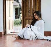 actress-rajisha-vijayan-latest-pics-in-kerala-saree-001