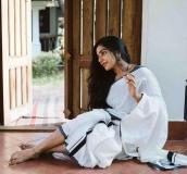 actress-rajisha-vijayan-latest-pics-in-kerala-saree-002