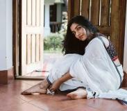 actress-rajisha-vijayan-latest-pics-in-kerala-saree-004