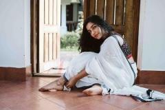 actress-rajisha-vijayan-latest-pics-in-kerala-saree-005