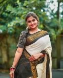 actress-remya-nambeesan-photoshoot-in-kerala-onam-saree-004