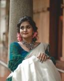 remya-nambeesan-latest-onam-photoshoot-in-Kerala-saree-001