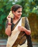 remya-nambeesan-latest-photoshoot-in-kerala-onam-saree-001