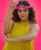 rima-kallingal-latest-photos-in-yellow-dress-002