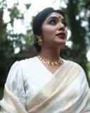 rima-kallingal-latest-photoshoot-in-onam-dress-002
