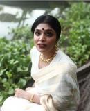 rima-kallingal-latest-photoshoot-in-onam-dress-004