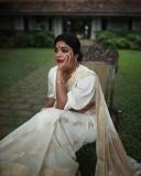 rima-kallingal-latest-photoshoot-in-onam-dress