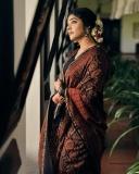rima-kallingal-new-photos-in-saree-021-001