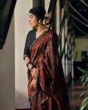 rima-kallingal-new-photos-in-saree-021-002