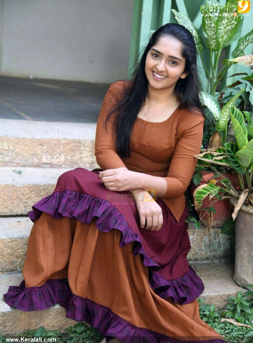 sanusha-santhosh-latest-photos-111-0079