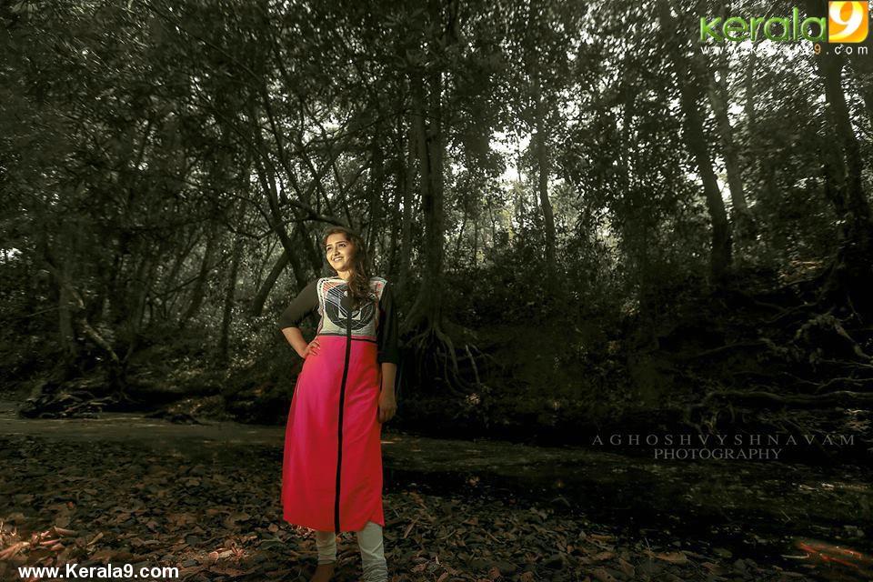 sanusha-santhosh-pics-200-00360