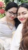 actress shaalin zoya latest onam kerala saree photos-004