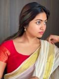shalin-zoya-new-onam-photoshoot-in-kerala-saree-001