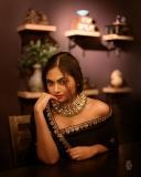shalin-zoya-photos-in-black-saree-002