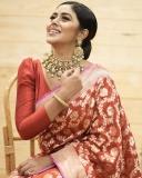 shamna-kasim-red-saree-photos-latest-004