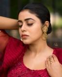 shamna-kasim-viral-photos-in-red-saree-003