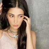 shruti-hassan-new-look-photos-012