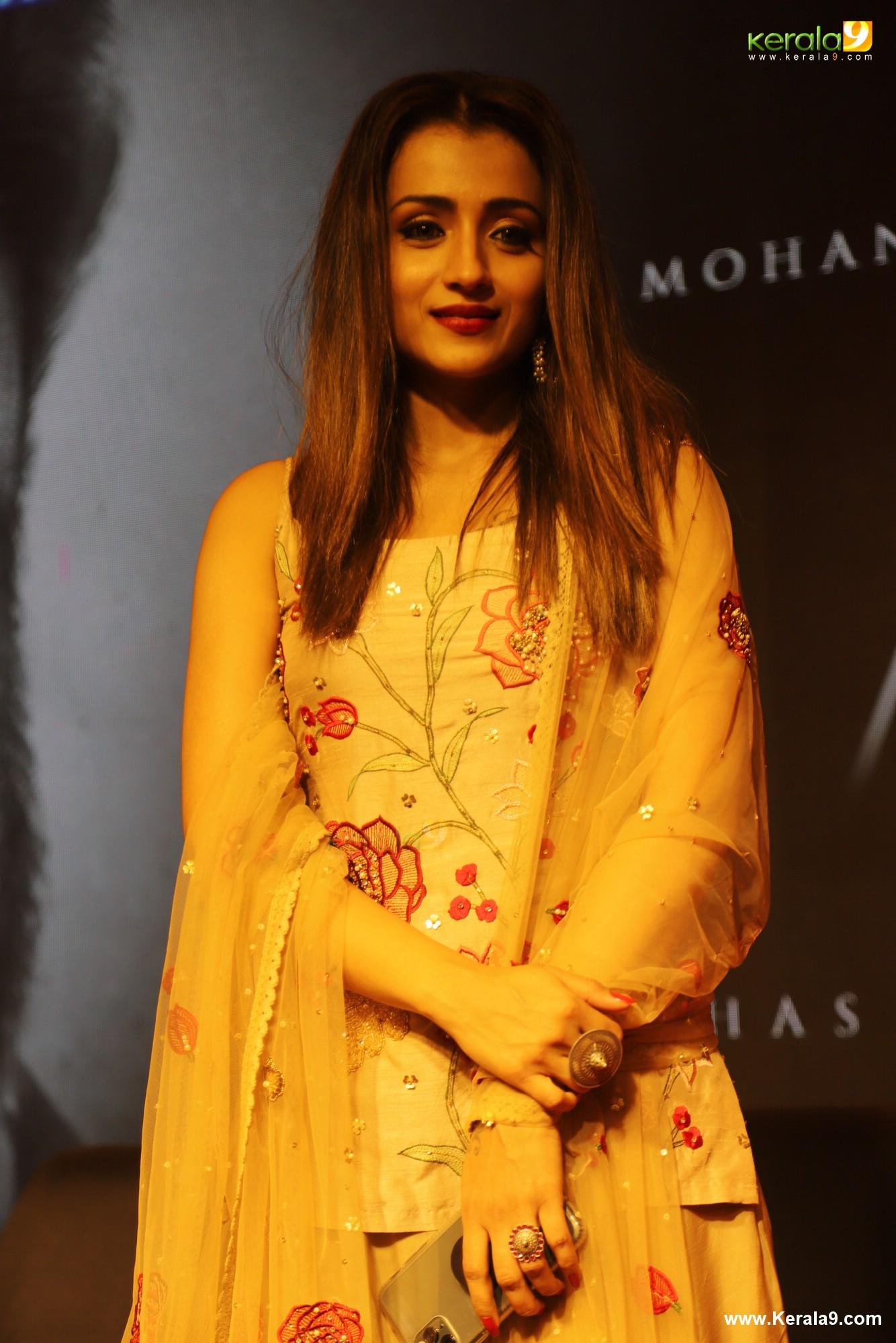trisha krishnan latest photos-032