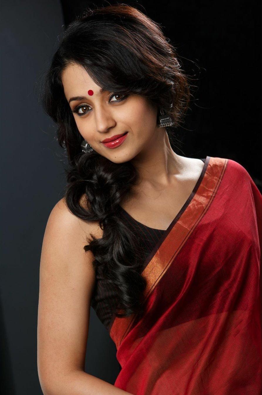trisha latest saree photos 02-001