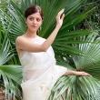 actress-vedhika-in-saree-003