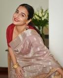 vidya-balan-latest-saree-photos-2021-002