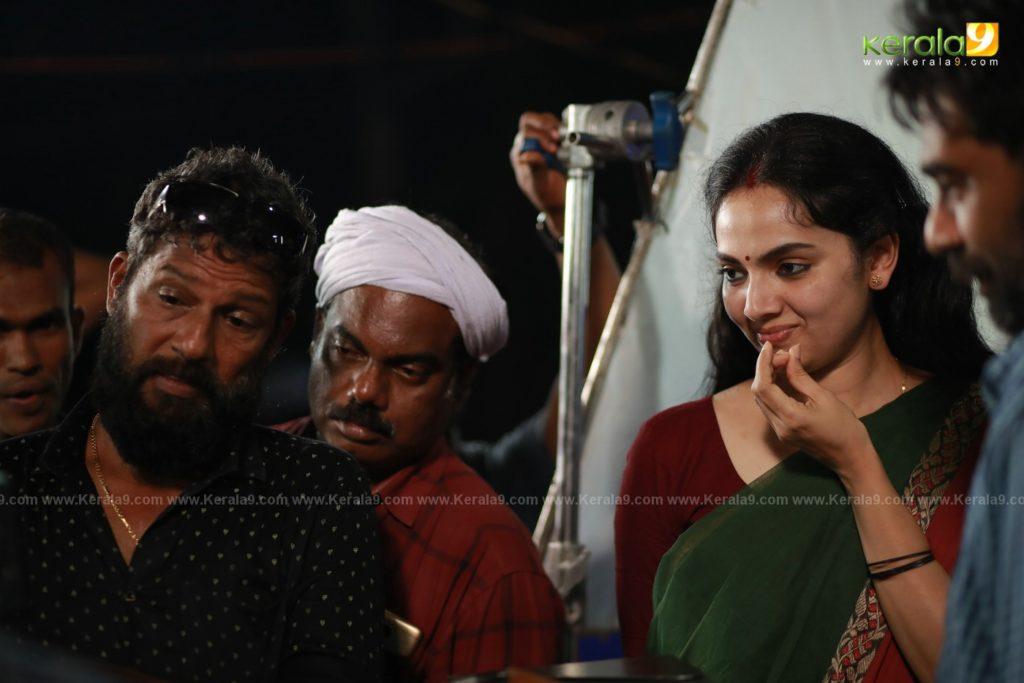 Samvrutha Sunil in Sathyam Paranja Viswasikkuvo movie stills 2019 1
