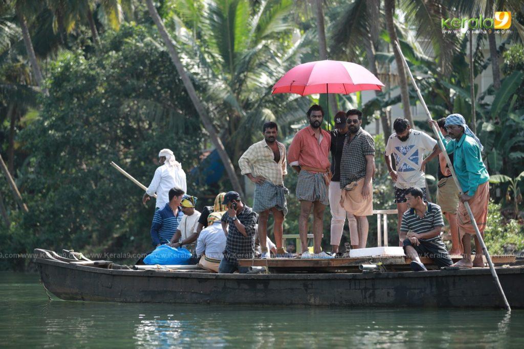 Sathyam Paranja Viswasikkuvo movie stills 2