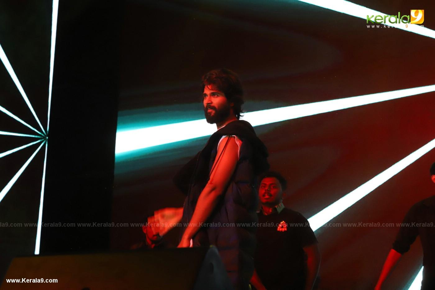Dear Comrade movie premotion kerala kochi photos 035 - Kerala9.com