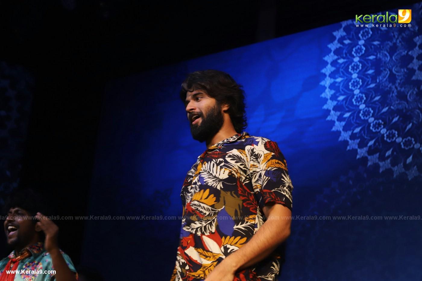 Dear Comrade movie premotion kerala kochi photos 069 - Kerala9.com