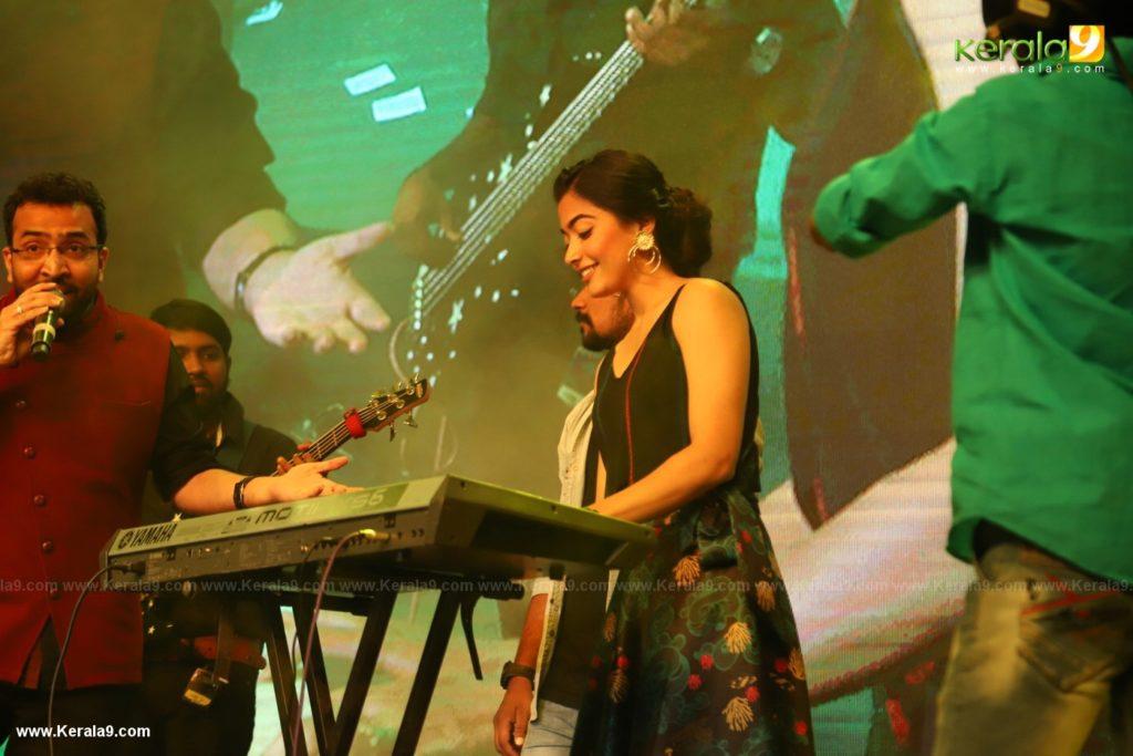 Dear Comrade movie premotion kerala kochi photos 087 - Kerala9.com