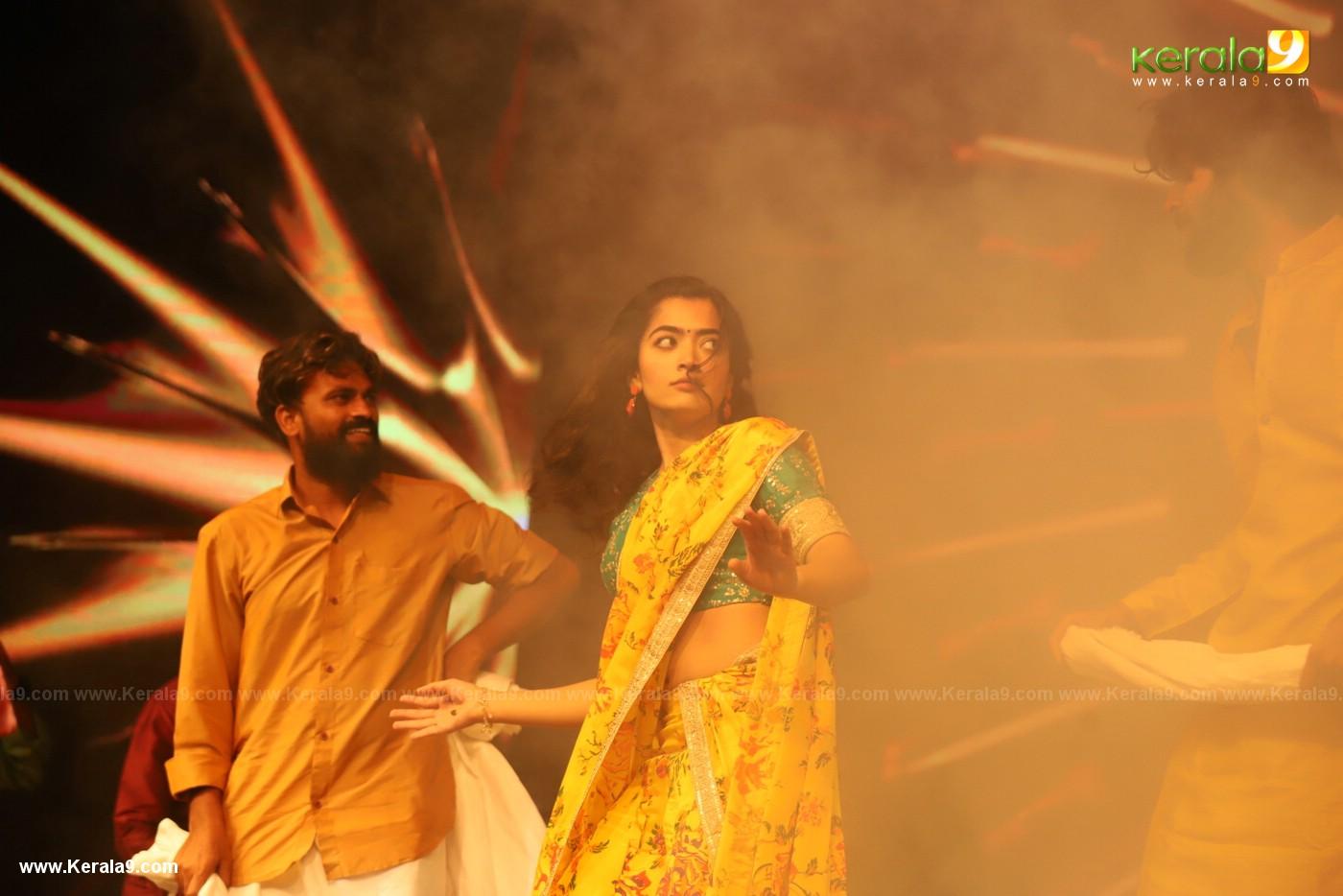 Dear Comrade movie premotion kerala kochi photos 157 - Kerala9.com